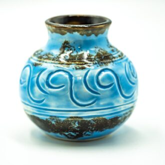 GC 104_Small wheel thrown pottery blue vase_white (7)