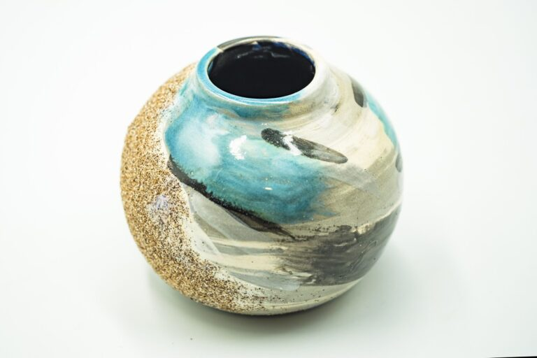 GC 123_Japanese turquoise pottery vase_white (2)