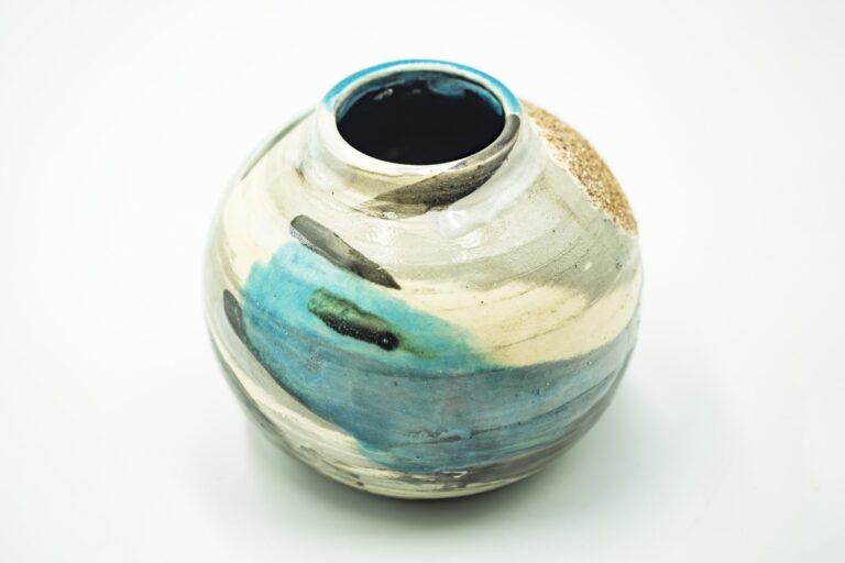 GC 123_Japanese turquoise pottery vase_white (3)
