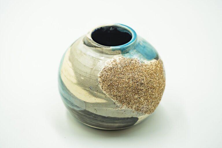 GC 123_Japanese turquoise pottery vase_white (4)